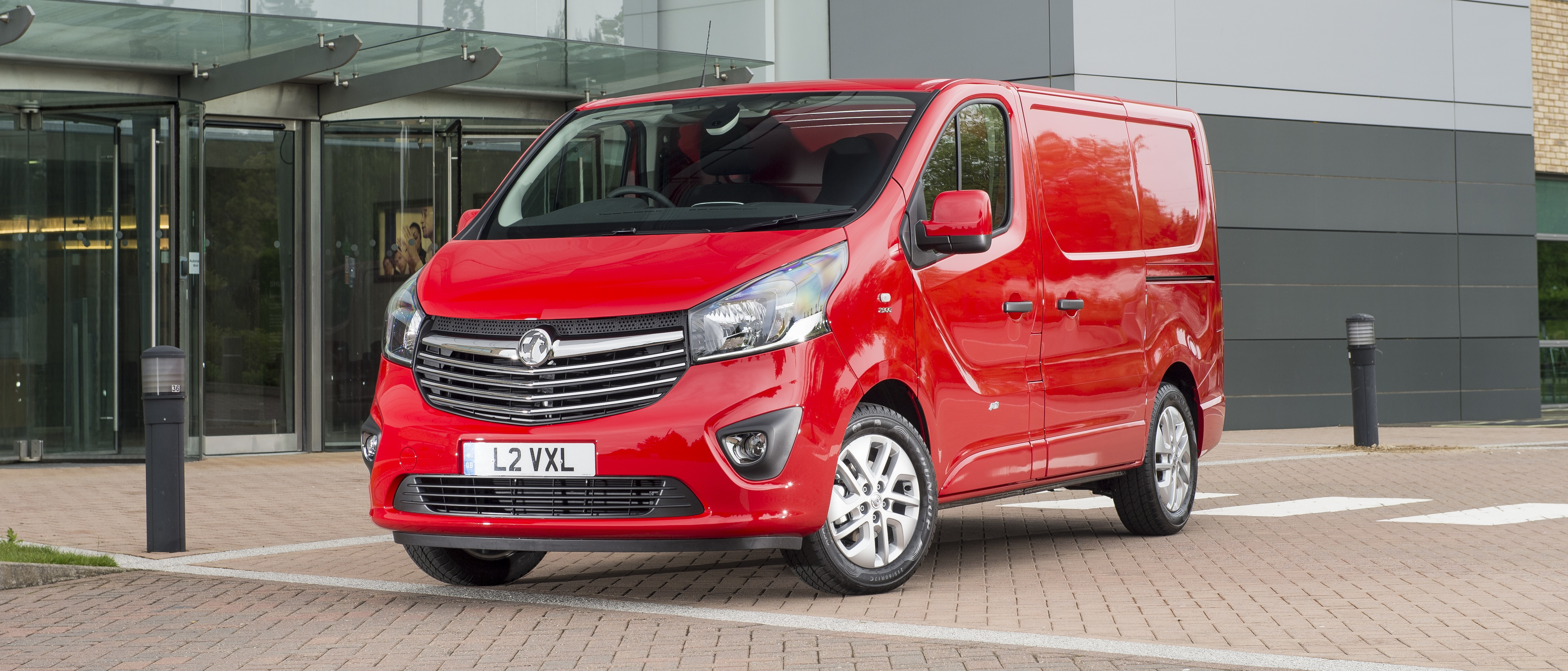 23b1e1eeb3f6ef Discover the range of new and pre-registered Vauxhall vans available from Discount  Van Sales in Newport including the medium-sized Vivaro.